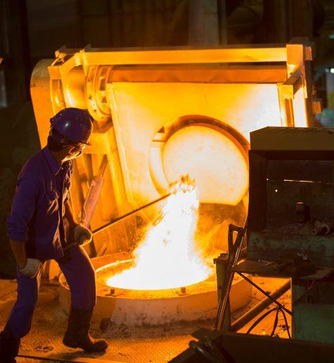 Wydobywanie pieców do topienia i żeliwiaków